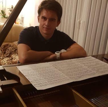PianoMan2000